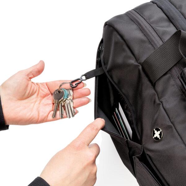 Swiss Peak RFID weekendtas met kofferopening en laptopvak