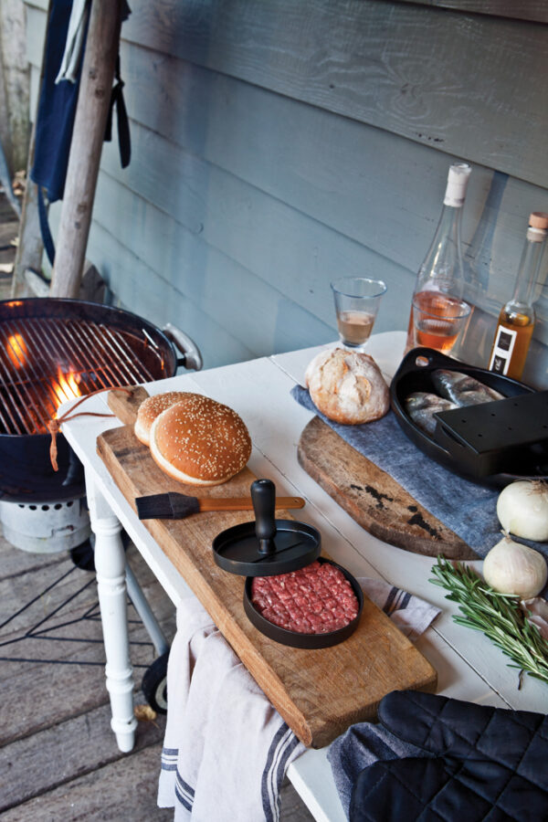 Barbecue set inclusief hamburgerpers