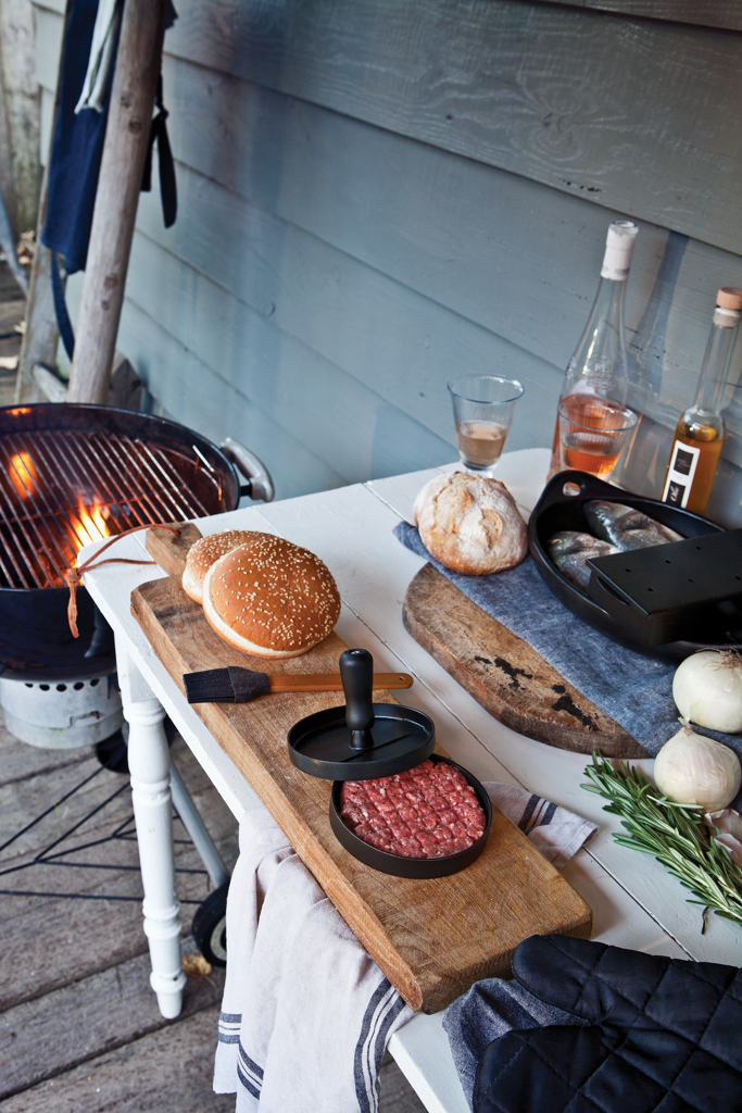 Barbecue set inclusief hamburgerpers